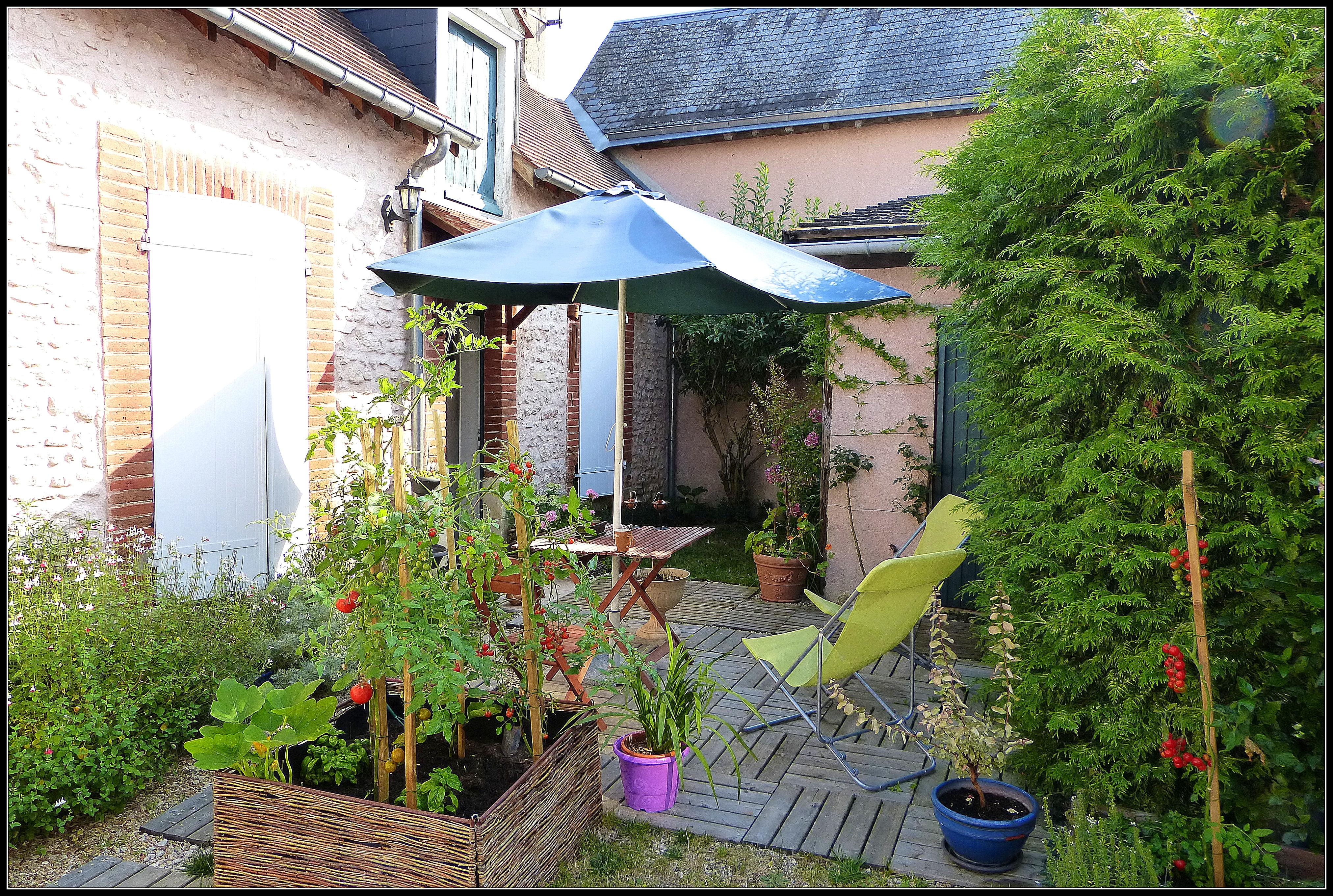 Une pause caf dans un jardin fran ais japanalex for Dans in jardin